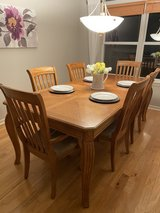 dining room table in Chicago, Illinois