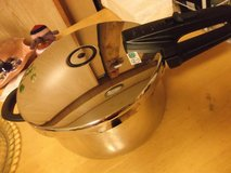 """""""FISSLER"""" STAINLESS PRESSURE COOKER in Okinawa, Japan"""