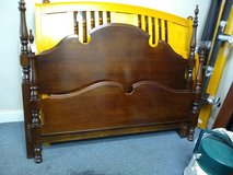 Queen Four Poster Bed in St. Charles, Illinois