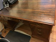 Lincoln Desk in The Woodlands, Texas