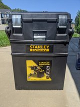 Stanley Fatmax 4 in 1 cantilever mobile toolbox in Fort Campbell, Kentucky