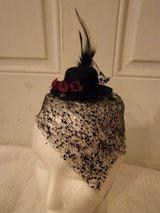 Fascinator hat Hair decoration, 1920's rockabilly.black tulle, mini roses,New. in Fort Hood, Texas