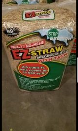 EZ Straw with Tack (4 bags) in Fort Campbell, Kentucky