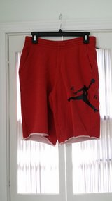 Nike - Shorts - Medium in St. Charles, Illinois