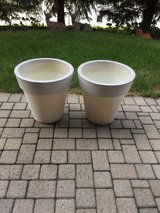 2 matching large flower pots in Plainfield, Illinois