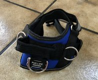 Pug Life (No Pull) Harness (Size Small). in Stuttgart, GE