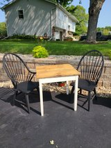 Barnwood table and 2 chairs in Morris, Illinois