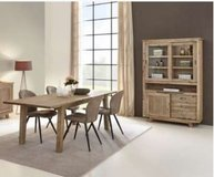 United Furniture - Evian Dining Set including delivery in Ramstein, Germany
