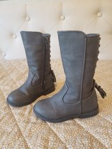 tall boots toddler size 6 gray in Aurora, Illinois