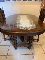 Carved Oak Victorian country dining table and 6 matching chairs set in Wiesbaden, GE