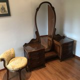 Louis XV Ladies Vanity & Tea Table & Cushioned Chairs in Wiesbaden, GE
