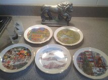 Chicago Collectible Plates, glasses, Lion in St. Charles, Illinois