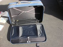 NICE CLEAN  SAMSONITE 4 WHEEL SUIT CASE in Bartlett, Illinois