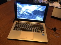 "Asus 12"" laptop Q200E in Travis AFB, California"