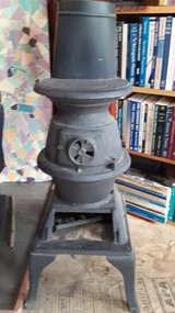 Small #40 Pot Belly Wood Stove in 29 Palms, California