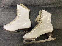 Ice Skates Size 8 in St. Charles, Illinois