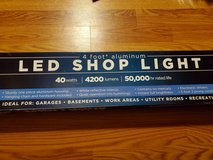 4 ft Shoplight New In Box LED in Conroe, Texas