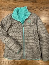 Girls North Face coat size XL in St. Charles, Illinois