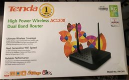 Tenda FH1201 wireless dual band router in Chicago, Illinois