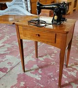 Vintage 1955 Singer Sewing Machine and Cabinet in Alamogordo, New Mexico