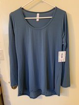NWT LulaRoe Long Sleeve Top in Okinawa, Japan