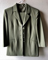 Ladies Dress Suit in Spangdahlem, Germany