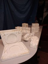 Free Ceramic Molds in Aurora, Illinois