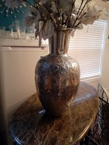 Silver vase 22 inches tall in Warner Robins, Georgia