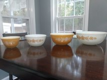 Vintage Corning Pyrex Butterfly Gold Mixing Bowl Set in Warner Robins, Georgia
