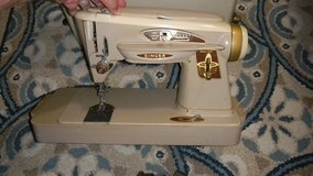 Singer 503A Rocketeer Slant-O-Matic Sewing Machine With Case in Warner Robins, Georgia