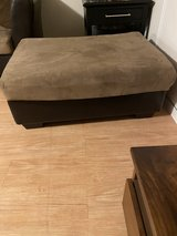 Like New Ashley Ottoman in Okinawa, Japan