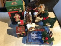 CHRISTMAS ORNAMENTS/ GIFTS & DECORATIONS in Lakenheath, UK