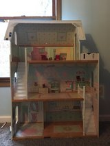 large doll house in Fort Leonard Wood, Missouri