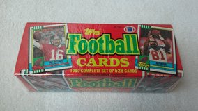 1990 Topps Football Trading Cards in Fort Riley, Kansas