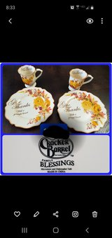 **REDUCED** Cracker Barrel - Thanksgiving Plates & Cups in Warner Robins, Georgia