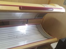 32 Lamp 220V Commercial Tanning Bed with Face Tanners in Leesville, Louisiana
