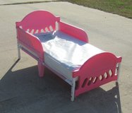 toddler bed w/ mattress and a mattress cover in Warner Robins, Georgia