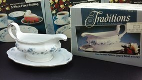 New Gravy Boat-Johann Haviland Porcelain *Reduced* in Naperville, Illinois
