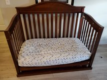 Convertible baby bed with the matress in Warner Robins, Georgia