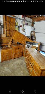 Bedroom set (NEW LOW PRICE) in Naperville, Illinois