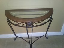 Entry table in Kingwood, Texas