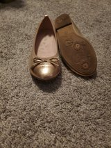 Girls size 4 shoes in St. Charles, Illinois