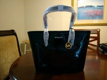NWT Michael Kors Tote in Beaufort, South Carolina