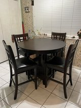 Dining Room Table and Chair Set in Baytown, Texas
