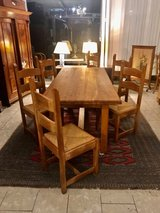 beautiful tiger oak dining room table with 6 matching chairs in Wiesbaden, GE
