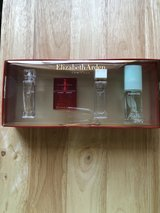 Elizabeth Arden 4-Piece Mini Perfume Set in Fort Riley, Kansas