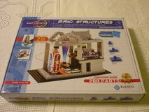SNAP CIRCUITS BRIC : STRUCTURES KIT in Bartlett, Illinois