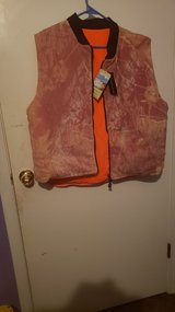 Mens reversible hunting vest. Xlarge in Fort Campbell, Kentucky