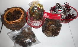 Christmas Holiday Decor - Pine Cones 2 Wire Baskets + in Naperville, Illinois