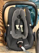 Maxi Cosi Pebble Plus baby seat with newborn insert and winter blanket in Spangdahlem, Germany